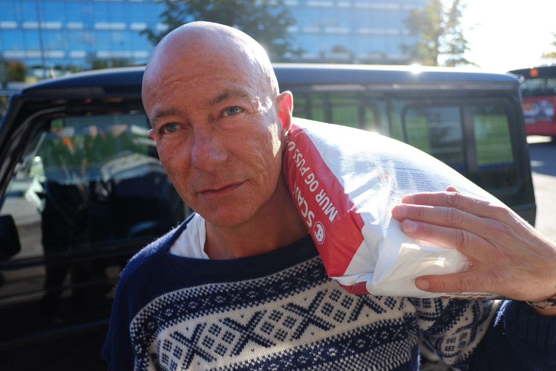 - Det er synd at en hel ungdomsgenerasjon som ikke vil bli advokater og leger ikke kan velge yrkesfag, sier murer Eirik Kornmo.