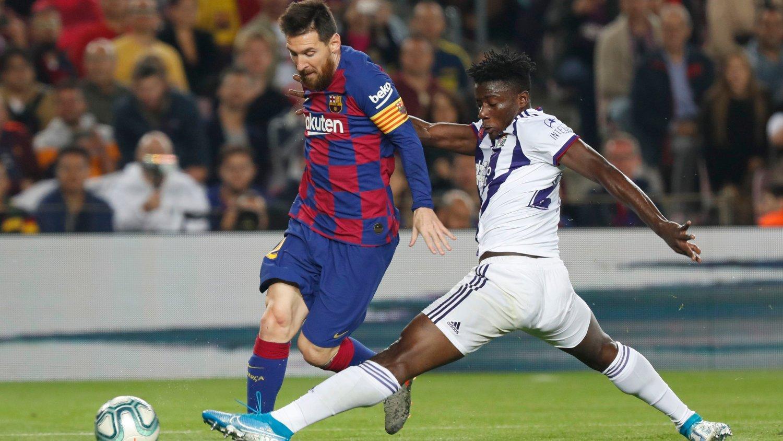 STJERNSTOPPER: Mohammed Salisu har drevet blant andre Lionel Messi til vanvidd denne sesongen.