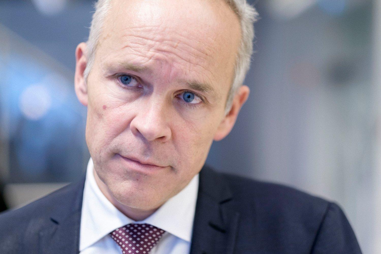 Kunnskaps- og integreringsminister Jan Tore Sanner ber UDI redegjøre om to medtiltalte av mulla Krekar som fikk norsk statsborgerskap mens de ble etterforsket i terrorsaken i Italia.