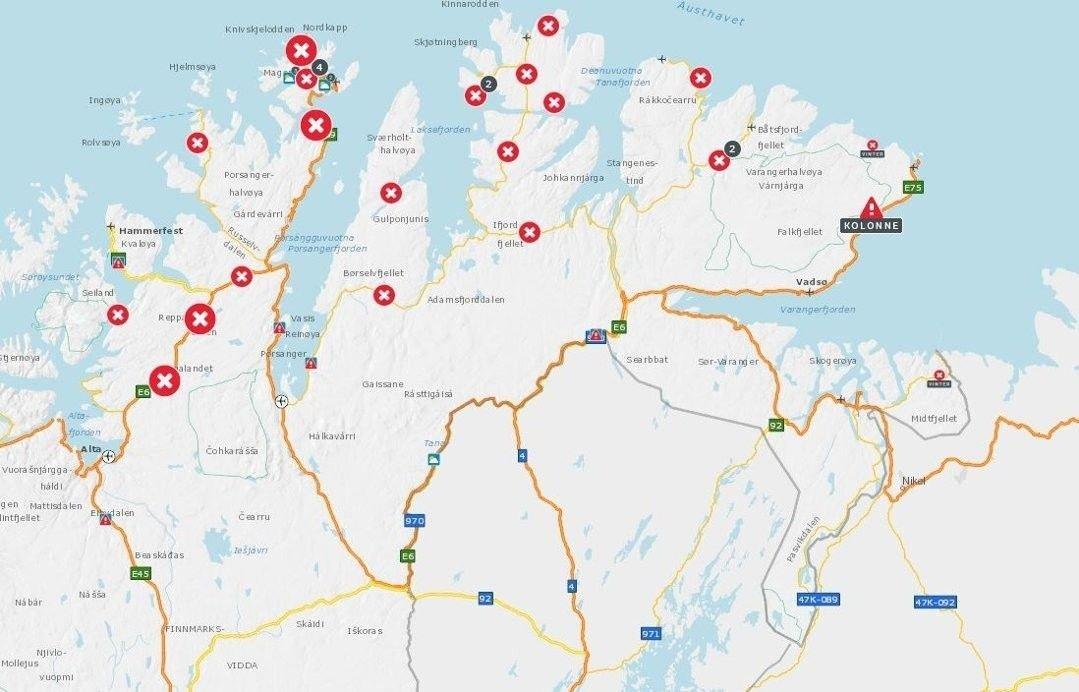 STENGT: Slik ser det ut i Finnmark fredag morgen. Totalt er 25 strekninger stengt.
