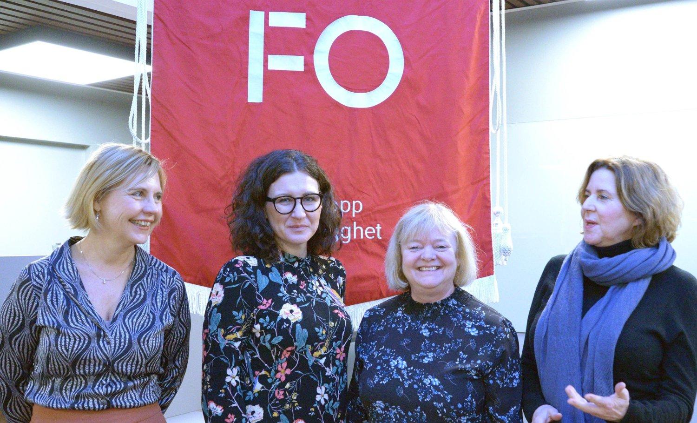 RAPPORT: Forskerne Mari Teigen og Marianne Solberg, sammen med forbundsleder Mimmi Kvisvik fra Fellesforganisasjonen og likestillingsombud Hanne Bjurstrøm.