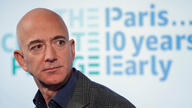 Amazon-sjef Jeff Bezos skal ansette 100.000 personer.