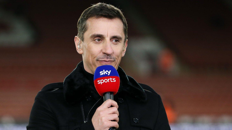 PUNKTER: Gary Neville foreslår flere punkter for å kunne fullføre sesongen i England.