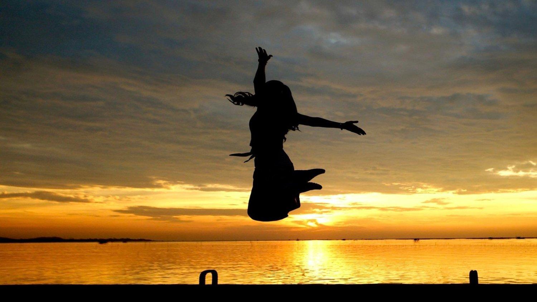 dame som hopper