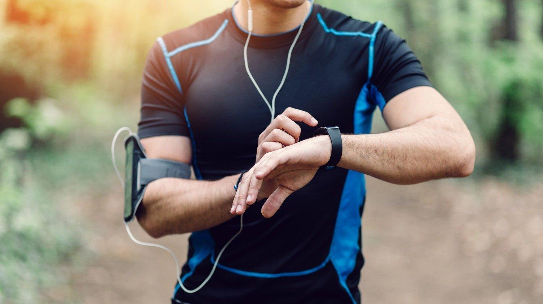 Vi har funnet de beste smarte klokkene for trening og aktivitet.