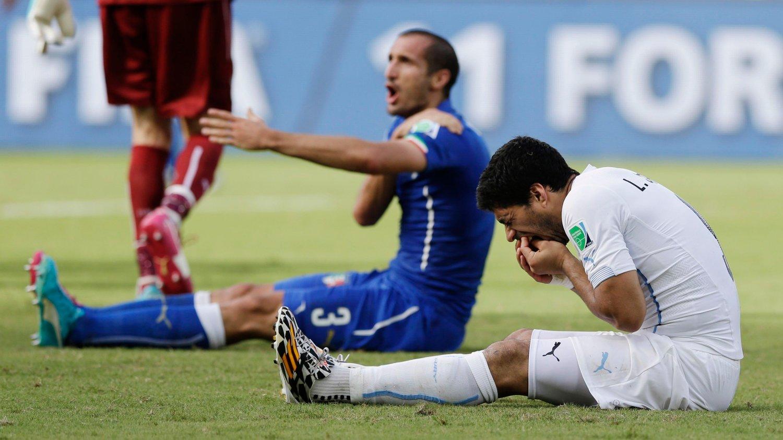 FÅR SKRYT: Giorgio Chiellini har kun fine ting å si om Luis Suárez.