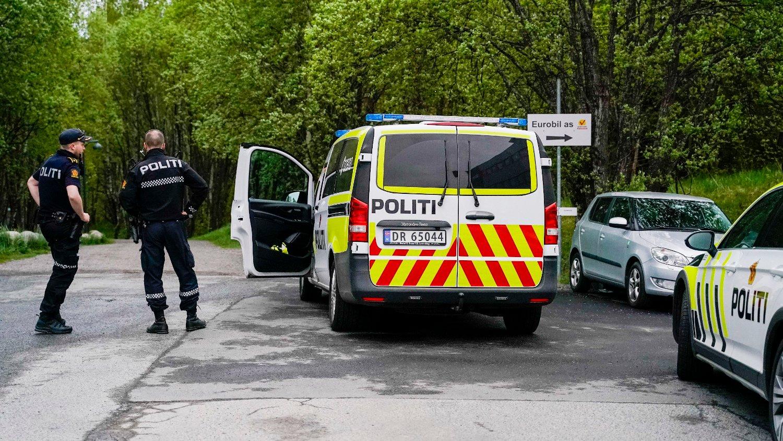 Ransforsøk Ammerud Bingo Oslo 20200522. Politiet er ved Ammerud Bingo etter melding om et ransforsøk.