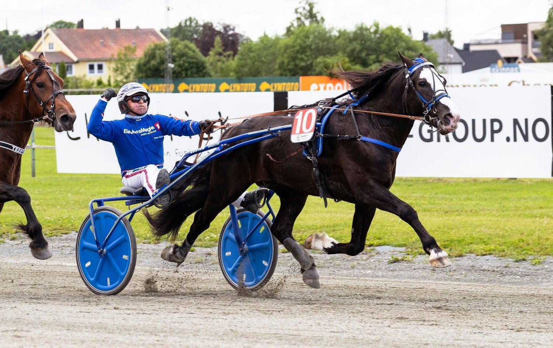 Leangen22062019_Jomar Blekkan vant løp 3. med Alma Prins_foto_Ned Alley_Hesteguiden.com.