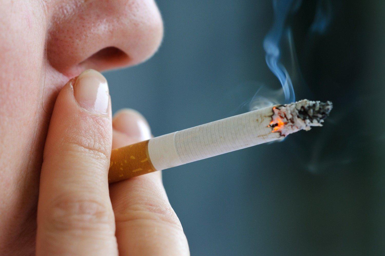 FORBUD: Nå vil Tromsø kommune og Kreftforeningen innføre røykfrie områder i Tromsø.