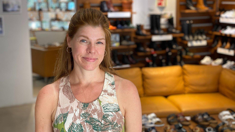 Anne Kleveland, butikksjef for Lille Vinkel Sko Oslo