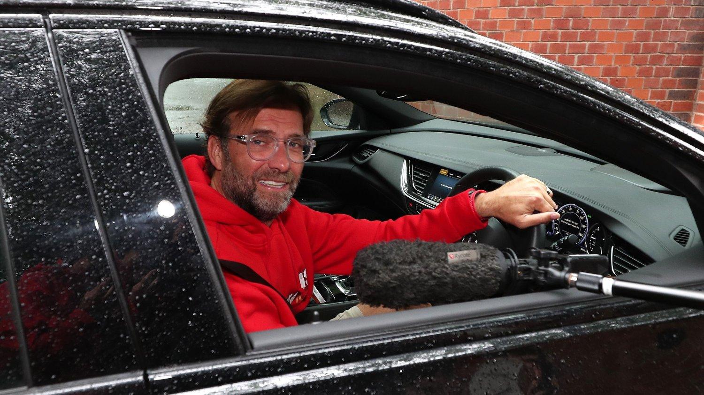 Liverpool-manager Jürgen Klopp vet at fansen har ventet på tittelfesten i 30 år, men oppfordrer alle til å tenke på smittevern når de feirer.