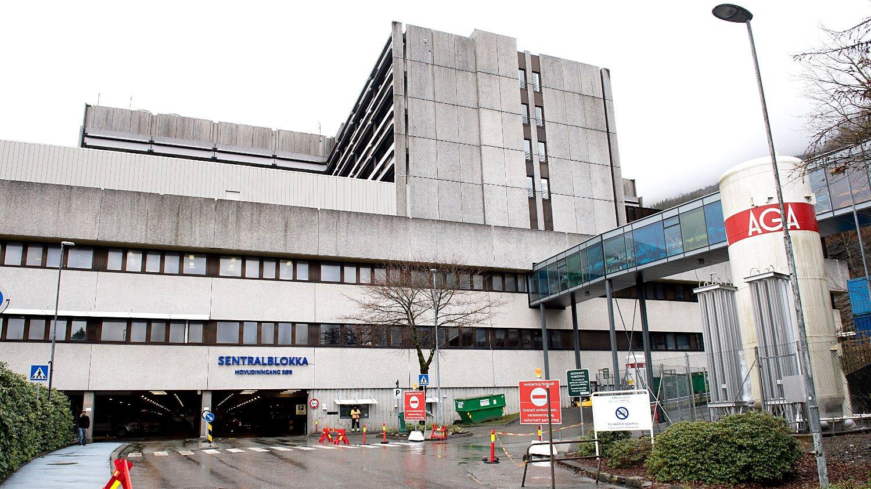 NYTT KORONA-DØDSFALL: En eldre pasient døde av koronaviruset mandag morgen på Haukeland universitetssykehus.