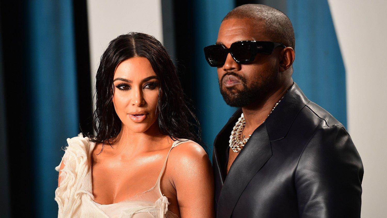HARD KRITIKK: Kim Kardashian og Kanye West i hard medfart etter skryt om milliardærstatus.
