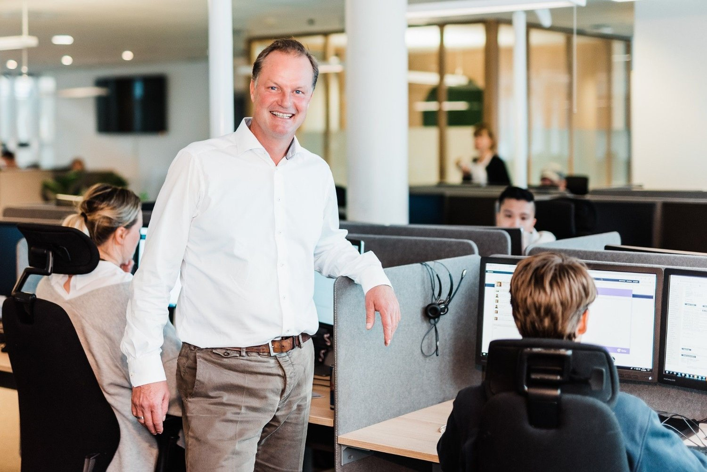 TAR MARKEDSANDELER: Banksjef Øyvind Thomassen i Sbanken melder om økte markedsandeler i andre kvartal.