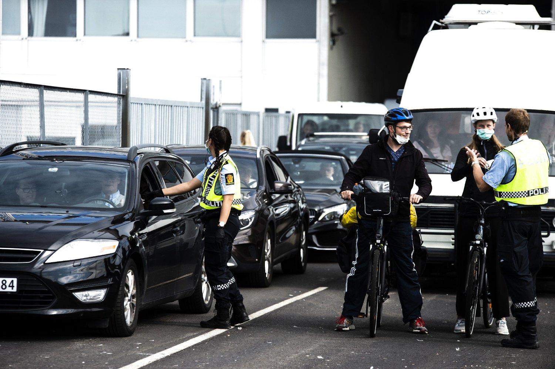 Oslo 20200716. Utlenlandske sommerturister ankommer ved Filipstadkaia for første gang siden grensene stengte. 250 biler totalt var ombord på ferjen. Ikke alle kjørte bil.