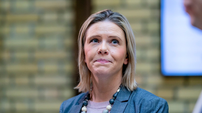 ROPER VARKO: Sylvi Listhaug mener man bør slå hardt ned på den siste tidens episoder med politivold.