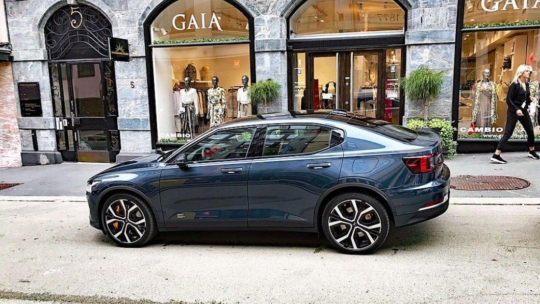 Polestar er nå i gang med å levere ut biler til norske kunder. Det gjør at de tar en imponerende fjerdeplass på registreringsstatistikken i august.