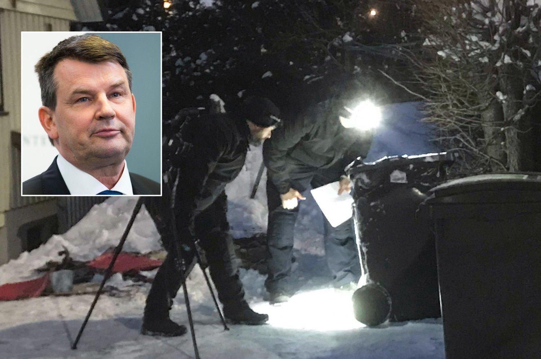 17. januar 2019 rykket politi- og brannmannskaper ut til boligen til daværende Frp-justisminister Tor Mikkel Wara (innfelt i bildet) etter at det brøt ut brann i et bosspann ved boligen. Samme dag mottok Wara et trusselbrev. Bildet viser etterforskere som står undersøker et bosspann og et innfelt bilde av Tor Mikkel Wara oppe til venstre.