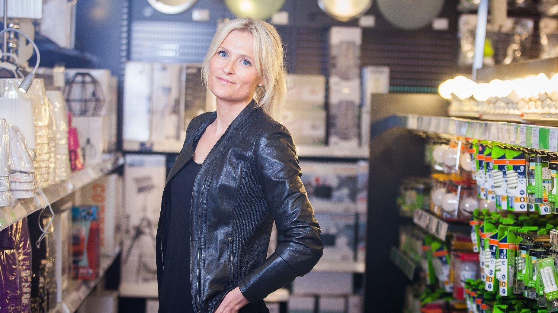 Clas OhlsLEGGER FREM TALL: Stine Trygg-Hauger leder virksomheten i Norge til Clas Ohlson.on-sjef Stine Trygg-Hauger sier hun blir provosert og lei seg når