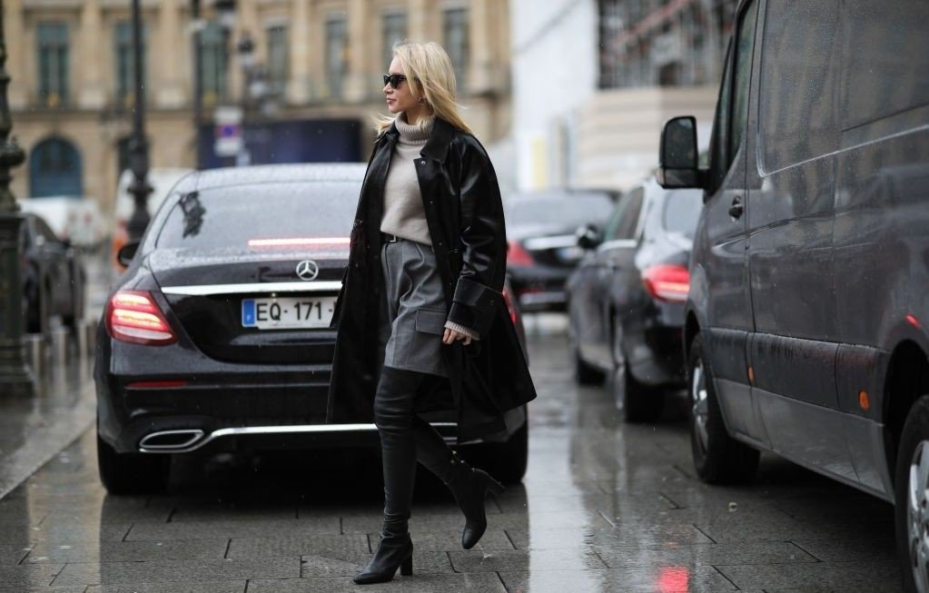 Street Style - Paris Fashion Week - Womenswear Fall/Winter 2020/2021 : Day Seven PARIS, FRANCE - MARCH 01: Jessica Knura during Paris Fashion week Womenswear Fall/Winter 2020/2021 Day Seven on March 01, 2020 in Paris, France.