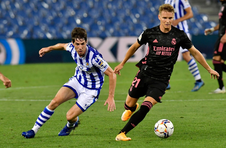 Real Madrids Martin Ødegaard har testet positivt på korona, ifølge spanske medier. Her i kampen mot gamleklubben Real Sociedad.