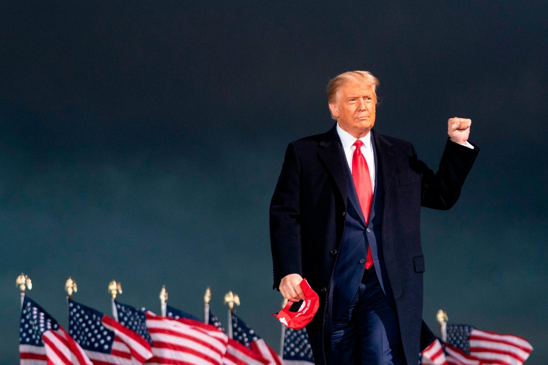 En sieressikker Donald Trump i Des Moines, Iowa.