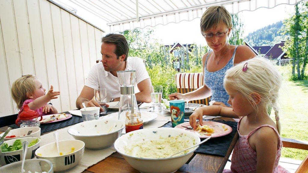 Familia middag, Middag   Åtte grunner til å ha familiemiddag
