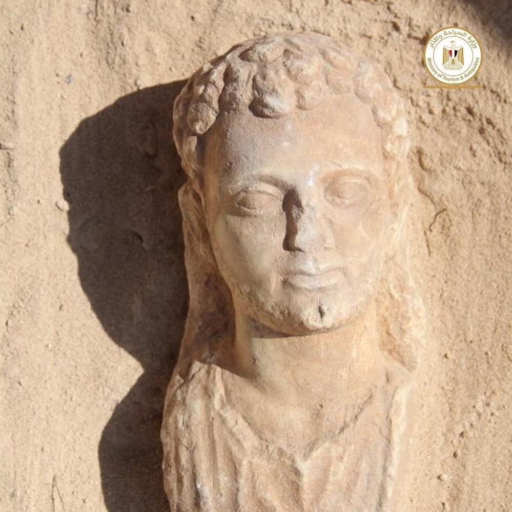 STATUE: Denne statuen ble også funnet under utgravningen.