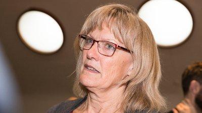 UTELUKKER IKKE: Karin Andersen sier at det kan bli aktuelt med mistillits forslag mot Anniken Hauglie.