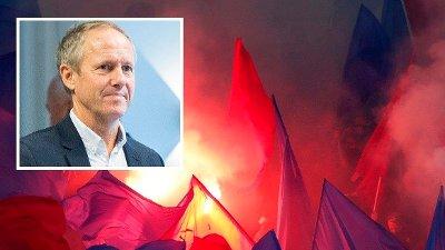 NFFs generalsekretær Pål Bjerketvedt innfelt i bilde av Vålerenga-supportere med bluss.