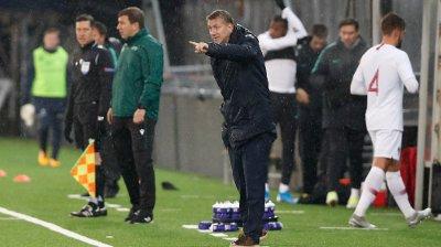 KRITISERT: Det var flere som var kritiske til U21-landslagstrener Leif Gunnar Smerud underveis i oppgjøret mot Portugal.