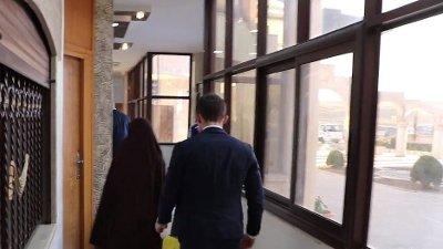 En norsk delegasjon var tirsdag i Syria der kvinnen og de to barna ble overlevert til norske myndigheter.