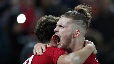 FRAMTIDSHÅP: Curtis Jones og Harvey Elliott har imponert for Liverpool denne sesongen.