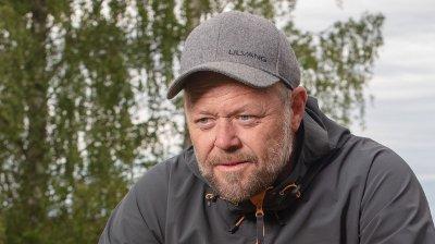 UTE AV «FARMEN»: Det ble ikke lenger enn en uke Asgeir Borgermoen fikk tilbringe inne på «Farmen»-gården.