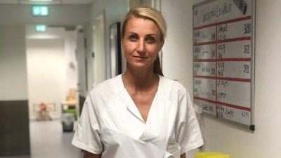 KLAR BESKJED: Seksjonsoverlege på akuttmedisinsk avdeling ved Sørlandet sykehus, Benedicte Severinsen, er tydelig på at alle som føler seg forkjølet må holde seg unna andre.