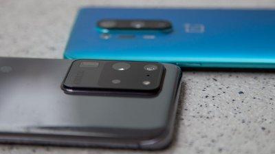 Samsung Galaxy S20 Ultra 5G og OnePlus 8 Pro.