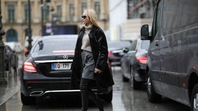 Street Style - Paris Fashion Week - Womenswear Fall/Winter 2020/2021 : Day Seven PARIS, FRANCE - MARCH 01: Jessica Knura during Paris Fashion week Womenswear Fall/Winter 2020/2021 Day Seven on March 01, 2020 in Paris, France.