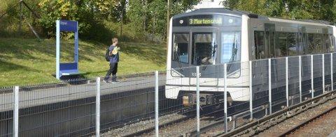 OPPGRADERES: Oppsal stasjon er én av fem lokale t-banestasjoner som får en «ansiktsløftning» når linje 3 skal oppgraderes neste år. Arkivfoto: Nina Schyberg Olsen
