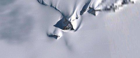 AVMYSTIFISERT: Formasjonen som er oppdaget på Google Earth på er et helt vanlig fjell, sier geolog. Det kalles en nunatak.