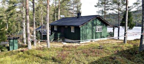 ULYKKE: To personer omkom og to ble livstruende skadd etter at det kom eksos inn i hytta ved Lauvtjern. Begge de skadde viser klare tegn til bedring i dag.