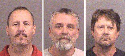 DISSE TRE MENNENE er tiltalt for å ha planlagt bombeattentat mot muslimer i Kansas. Fra venstre Curtis Allen, Gavin Wright og Patrick Stein. Alle tre tilhører en lokal milits.