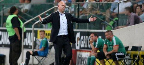 KLAR FOR KAMP: Henning Berg leder Legia mot Celtic på skotsk jord.