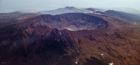 KATASTROFE: Da vulkanen Tambora eksploderte i lava, stein og aske i 1815 skulle det bli det kraftigste vulkanutbruddet vi kjenner til i historien. 117.000 mennesker ble drept som en direkte følge av utbruddet. Hungersnøden som fulgte tok livet av enda flere.