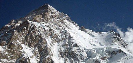 - BØR IKKE FORBYS: K2 tok 11 menneskers liv. Likevel mener sikkerhetsansvarlig Stein Tonstad at fjellet ikke skal forbys for forberedte fjellekspedisjoner.