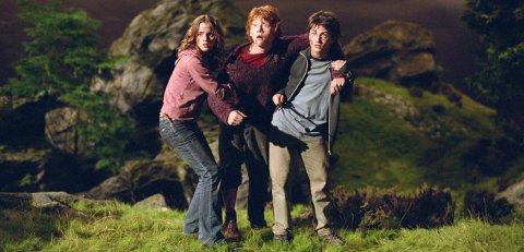 Harry Potter og fangen fra Azkaban. Samtidig som magien foregikk i Harry Potter-universet, skjedde det helt andre ting i vår verden.