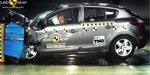 Vi har blitt vant til at de aller fleste biler klarer maks score i kollisjonstesten hos Euro NCAP. Men i den nylig gjennomførte testrunden går det absolutt ikke slik, her får tre av fire biler skuffende tre stjerner. Renault Megane (bildet) er én av dem.