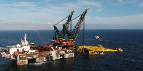 Den første synlige delen av oljefeltet Johan Sverdrup kom på plass i sommer. Feltet på Utsirahøyden bidrar til oppsving i antall oljejobber.