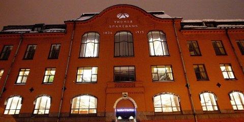 KUTT: Nord-Norges sparebank legger ned kontorer. Her fra hovedkontoret i Tromsø.