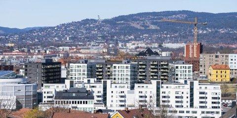BLANDEDE SIGNALER: Boligprisveksten i Norge er på vei nedover, men omsetningen er rekordhøy.