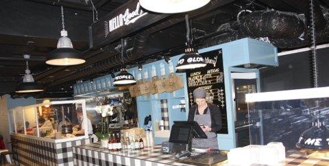 PIE IN THE BASEMENT: Steen & Strøm har fått sin foodcourt, der blant mye annet Hello Good Pie har flyttet inn. Hyggelige lokaler med felles spiseområder kan raskt gjøre kjelleretasjen til et populært lunsjsted midt i sentrum. Lekre spesialforretninger, pol, og matbutikk er også på plass i denne etasjen. ALLE FOTO: ELLEN RØNNING
